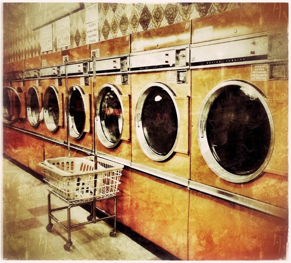 Banco de imágenes shutterstock (Laundromat)
